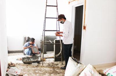 Thợ ốp lát gạch men tại quận Thủ Đức