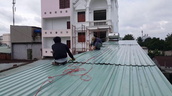 Thi công lợp mái tôn tại Bình Dương